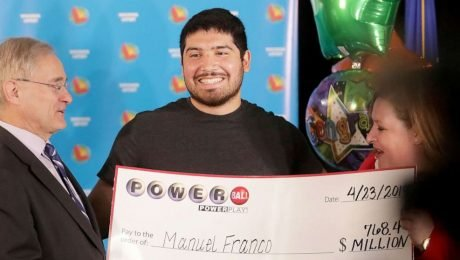 24-year-old wins 768 million dollars in the lottery