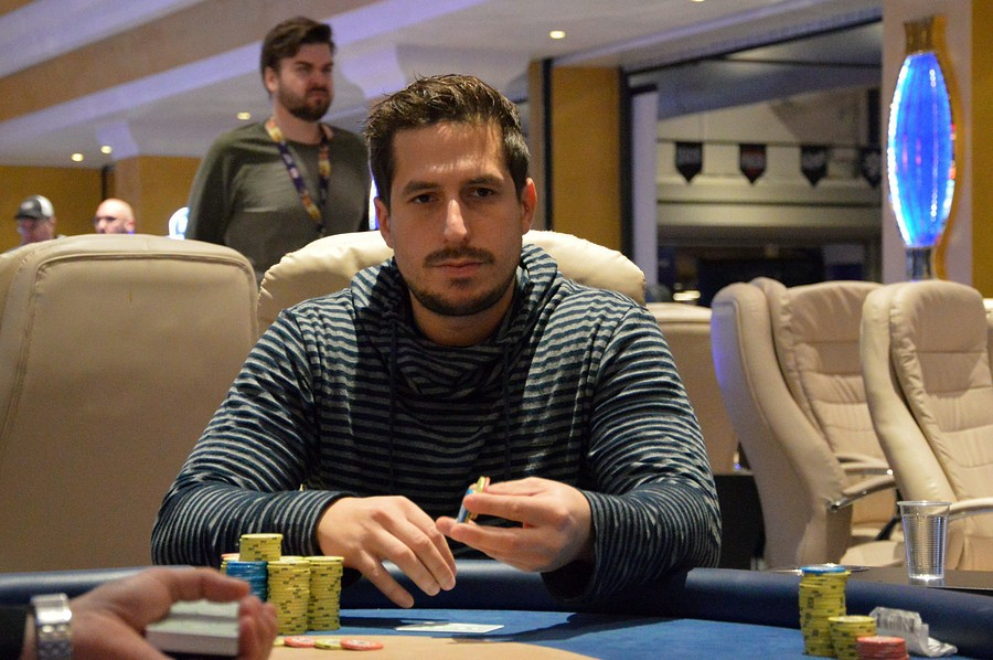 WSOP Event #72 - Thomer Pidun in Day 2 at the Limit Hold'em WM!