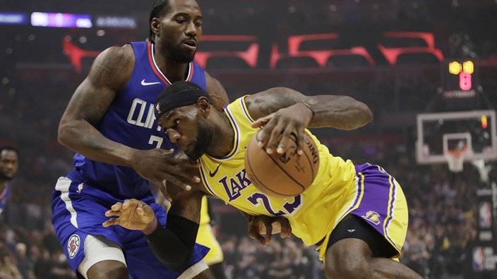 NBA - Lakers start with defeat