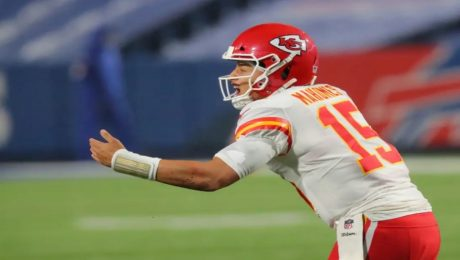 The Chiefs beat the Bills with a Patrick Mahomes reaching his 90 touchdown passes.